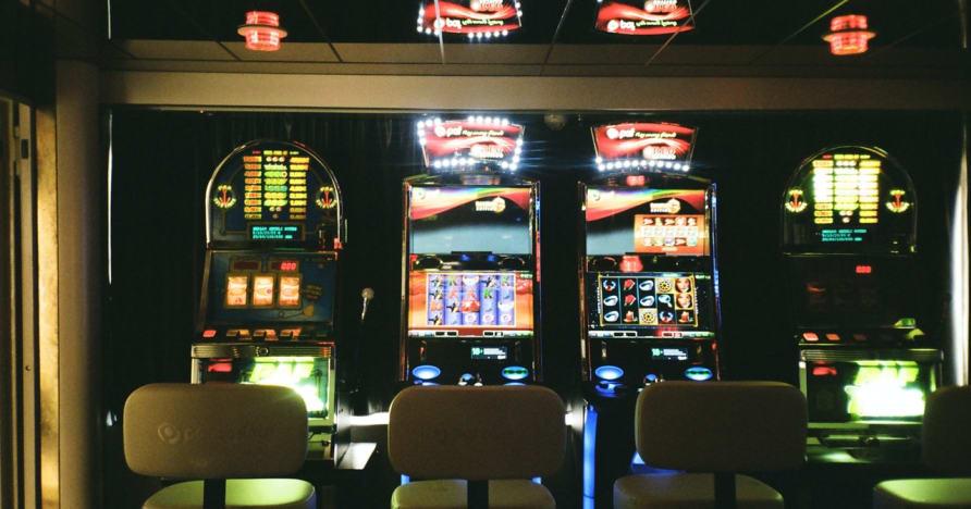 Tiešsaistes spēļu automāti tiešsaistē: kāpēc tie ir tiešsaistes azartspēļu nākotne