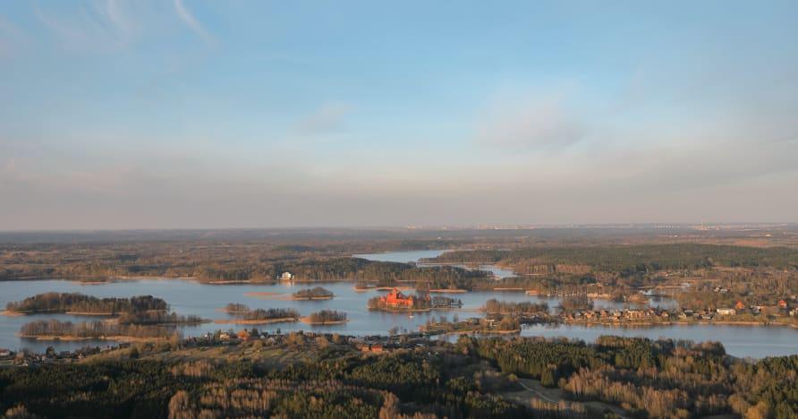 Ezugi uzsāk tiešraides dīleru spēles Lietuvā
