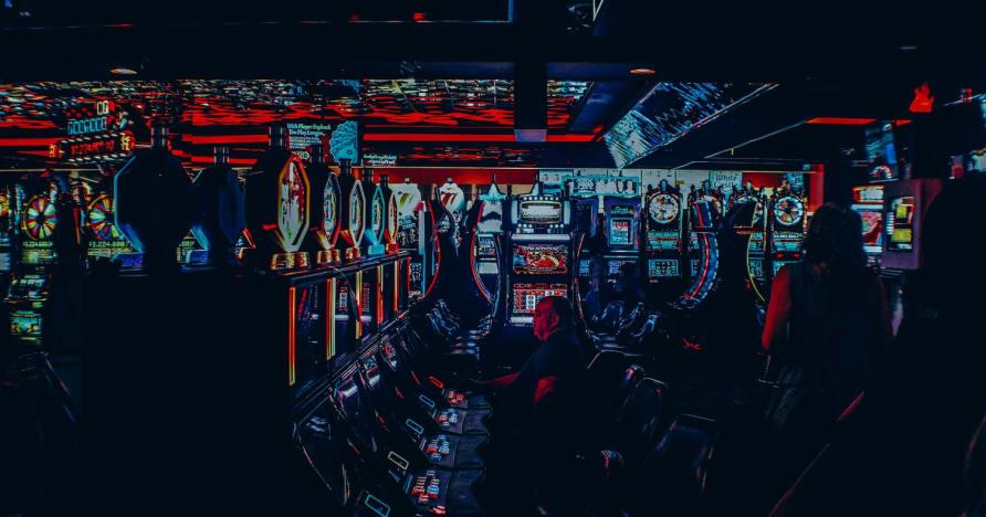 Vai tiešsaistes kazino var izraidīt spēlētāju?