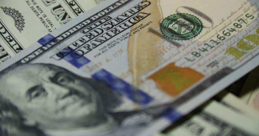 Spēlētāja uzvar 720,000 $ ar tikai 3 Nūju rokās