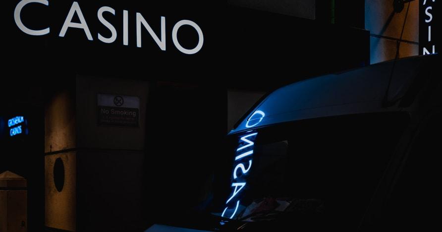 Tiešsaistes kazino vs. Īsts kazino | Iemesli spēlēt tiešsaistē