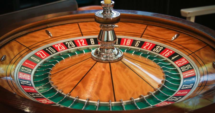 Spēlējiet un laimējiet Live Roulette: kāpēc jums tas patiks